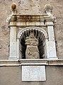153 Santa Maria de la Geltrú, pl. de l'Assumpció (Vilanova i la Geltrú), fornícula de la façana.jpg