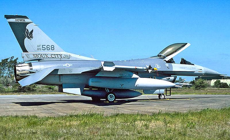Imágenes numeradas - Página 12 800px-174th_Tactical_Fighter_Squadron_F-16C_85-568