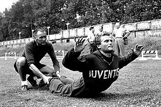 Giampiero Boniperti - Boniperti in training with bianconeri in the 1951–52 season