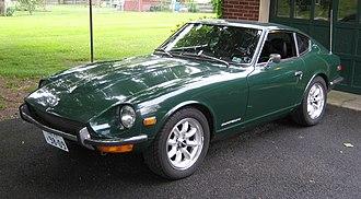Nissan S30 - 1970-71 Datsun 240Z Series I (U.S. Model) in color code 907 racing green