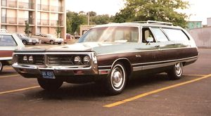 Chrysler Town & Country (1941–1988) - Image: 1972 Chrysler Town & Country