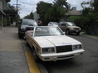 Chrysler K platform - Image: 1983 1984 Chrysler T&C convertible front, Esplanade
