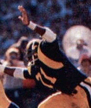 Reggie Doss - Doss playing for the Rams in 1980