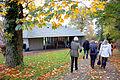 2003 erhielt der Hermannshof in Völksen den Veranstaltungsbau HAUS IM PARK nach Plänen des Hannoveraner Architekten Karsten Schlüter mit Kazuo Ishikawa M.A.jpg