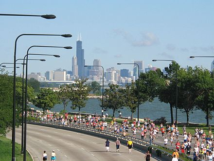 Chicago Half Marathon on Lake Shore Drive on the South Side. 20070909 Chicago Half Marathon.JPG