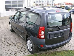 2007 Dacia Logan MCV rear.JPG