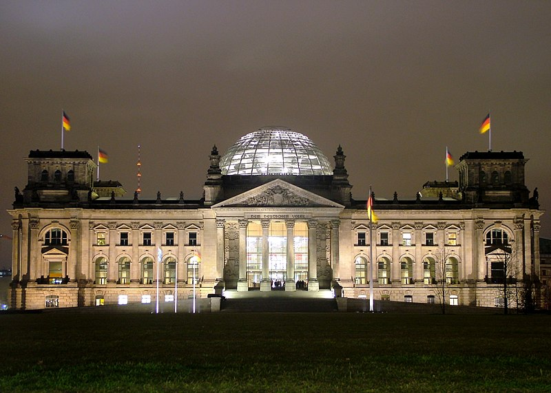 Datei:2009-03-22 Reichstag Nacht.JPG