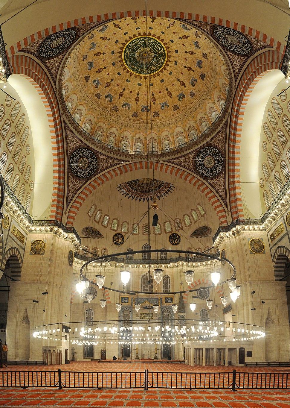 20101213 Suleymaniye Mosque Istanbul inside vertical Panorama