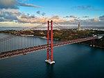 25 de Abril Bridge (36211704453).jpg