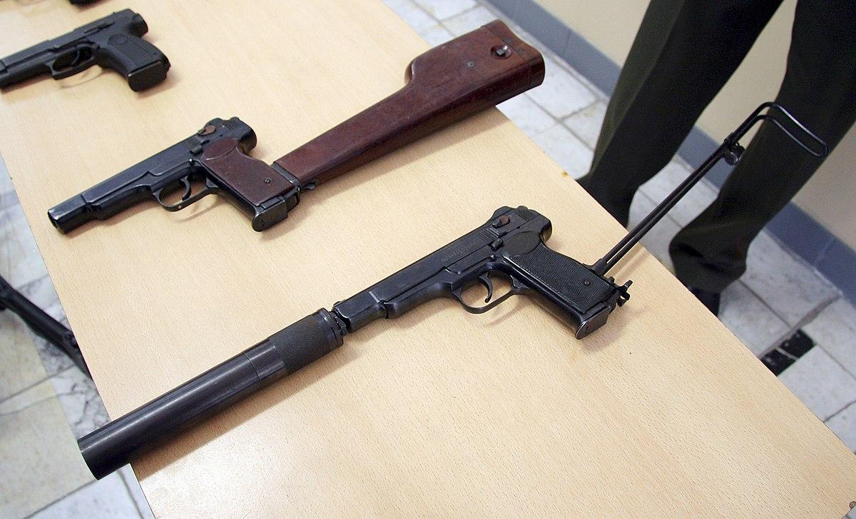 Machine pistol - Wikipedia