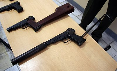 Machine pistol - Wikipedia