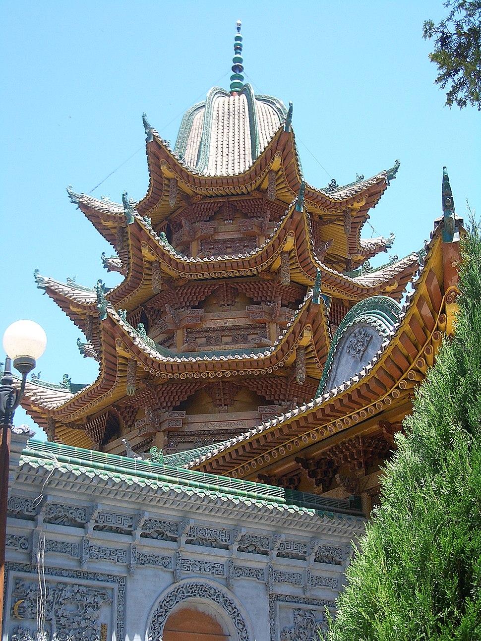 5861-Linxia-Yu-Baba-Gongbei-main-building-roof