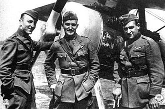 Douglas Campbell (aviator) - Douglas Campbell (center) poses with fellow 94th Aero Squadron aviators Eddie Rickenbacker (l.) and Kenneth Marr (r.). The aircraft in the background is a Nieuport 28.