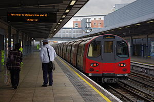 96091 Departs Stratford for Stanmore.jpg