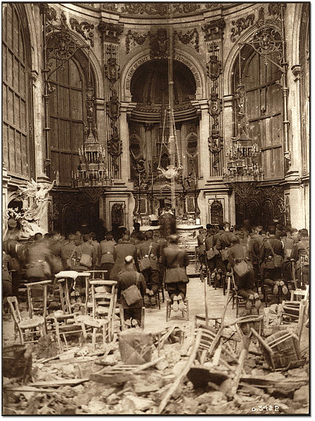 File:A Thanksgiving Service Attended by Canadian Troops Being Held in the Cambrai Cathedral.jpg