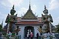 A giant statue in Wat Arun.jpg