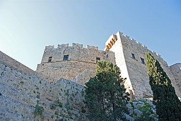 Acropolis of Lindos medieval wall 2010.jpg