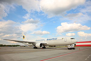 English: Aerosvit Boeing 767 UR-VVT