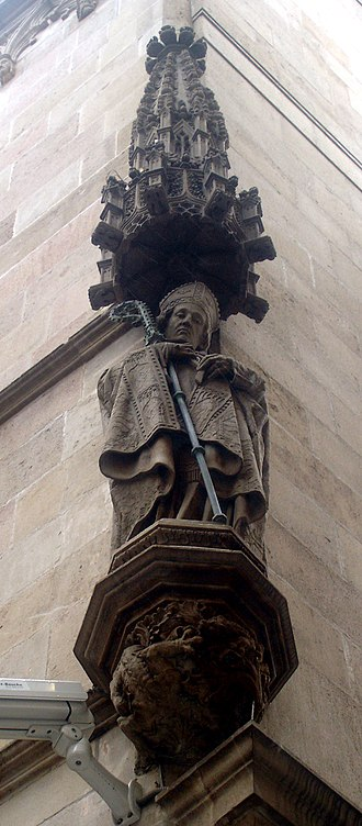 Severus of Barcelona - Facade of the town hall of Barcelona.  Statue of Saint Severus.