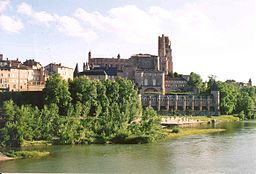 The Tarn river at Albi