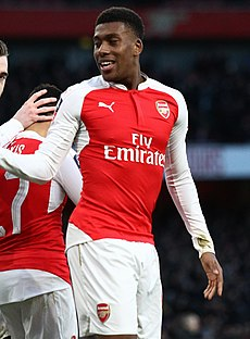 Alex Iwobi (24109638313) (cropped).jpg