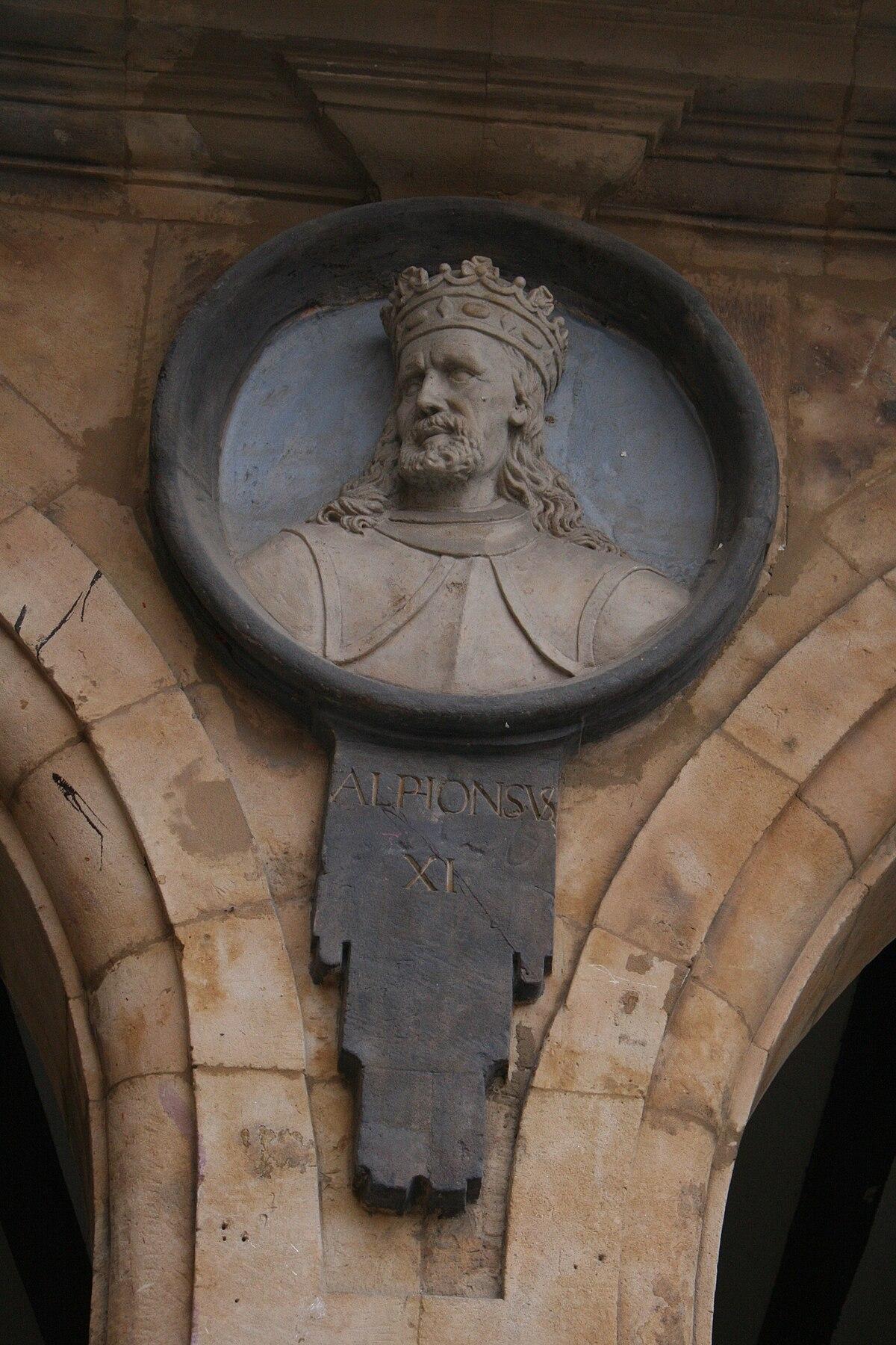 Alfonso XI de Castilla (Plaza Mayor de Salamanca).jpg