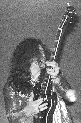 Michael Bruce (musician) - Image: Alice Cooper, School's Out Tour (1972)