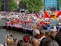 Amsterdam Gay Pride 2004, Canal parade -008.JPG