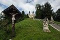 Angelus-Stiege mit Skulpturengruppe und Kruzifix.jpg