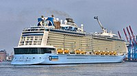 Anthem of the Seas - Cruise Ship in Hamburg (16720442028) (cropped).jpg