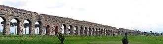 Aqueduct near Rome - Image: Aqua Claudia 01