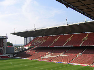 Die Nordtribüne des Arsenal Stadiums