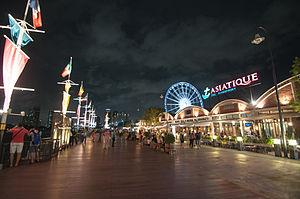 Asyiknya berbelanja malam hari di Asiatique, Bangkok