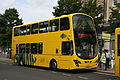 Au Morandarte Flickr Yellow Buses VGW189 on Route 1A, Bournemouth Square (15157318351).jpg