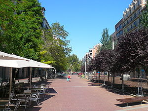 English: Mistral avenue, Barcelona. Català: Av...