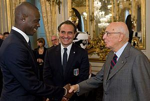 Cesare Prandelli - Mario Balotelli (left) and Cesare Prandelli (centre) meeting the then Italian President Giorgio Napolitano (right) in November 2011