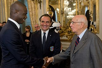 Cesare Prandelli - Mario Balotelli (left) and Cesare Prandelli (centre) meeting the then Italian President Giorgio Napolitano (right) in November 2011