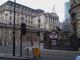 Bank station entrance look to Bank.JPG