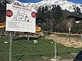 Baustelle mit Baureklame in Klosters.jpg