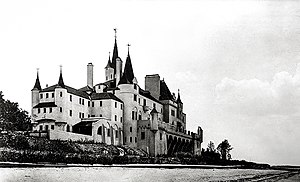 North Shore (Long Island) - The demolished Beacon Towers estate, along with Oheka Castle, has been identified as an influence for the novel The Great Gatsby