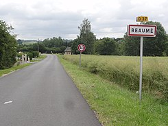 Beaumé (Aisne) city limit sign.JPG