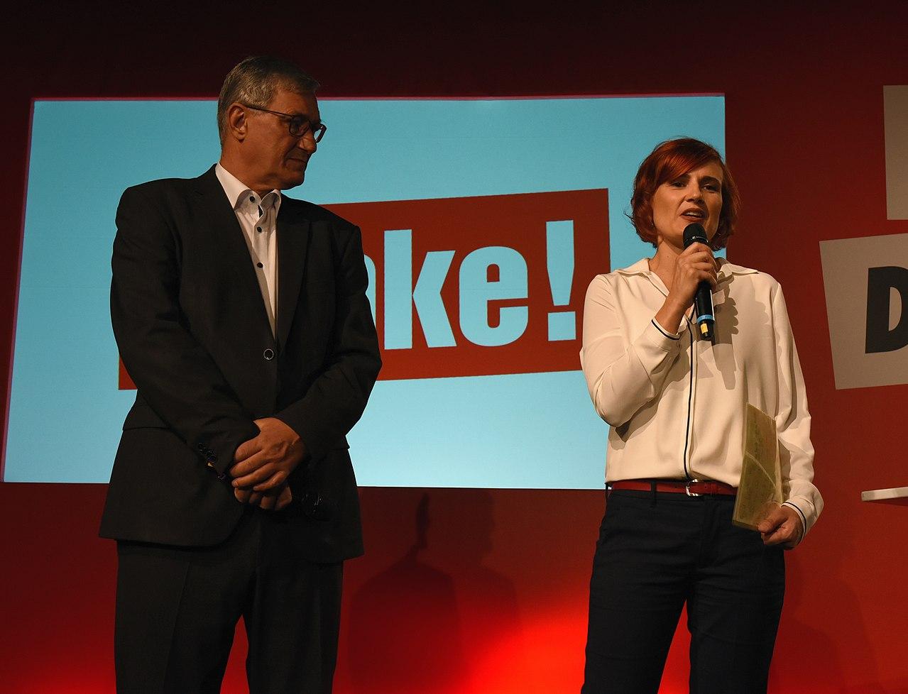 Bernd Riexinger und Katja Kipping bei der Bundestagswahl 2017 Wahlabend Die Linke (Martin Rulsch) 55.jpg