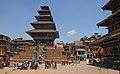 Bhaktapur-Nyatapola Mandir am Taumadhi Tole-06-gje.jpg
