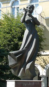 Blaszki Heros Monument.JPG