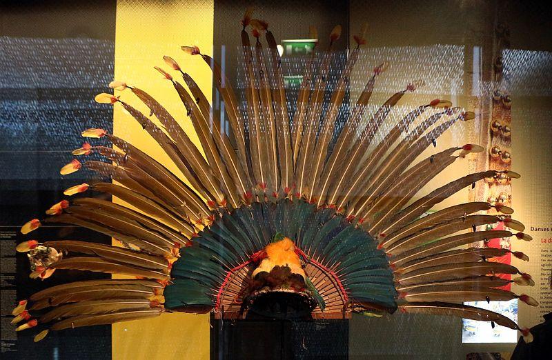 File:Bolivia, llanos, mojo, copricapo piumato per la danza dei macheteros, 1990-2000 ca. 01.jpg
