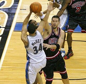 Brad Miller (basketball) - Miller with the Bulls in 2009
