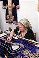 Brodeuse (Boukhara, Ouzbékistan) (5676923366).jpg