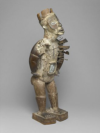 Nkondi - Nkisi Nkondi, from the collection of the Brooklyn Museum.
