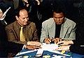 Bruno Ficili e Muhammad Ali, Siracusa 3-4-5 dicembre 1999.jpg