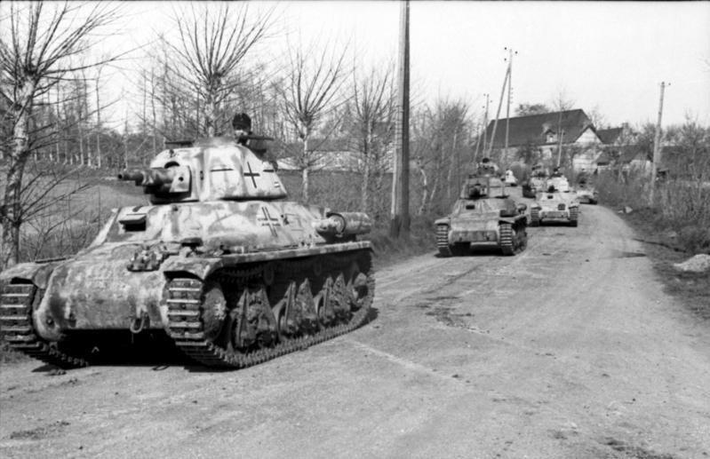 Bundesarchiv Bild 101I-300-1858-33A, Frankreich-Belgien, Panzer Somua S35